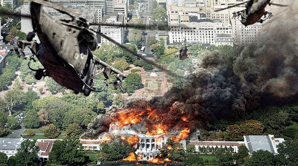 Black Hawk choppers carrying U.S. Special Forces approach a decimated White House in WHITE HOUSE DOWN.