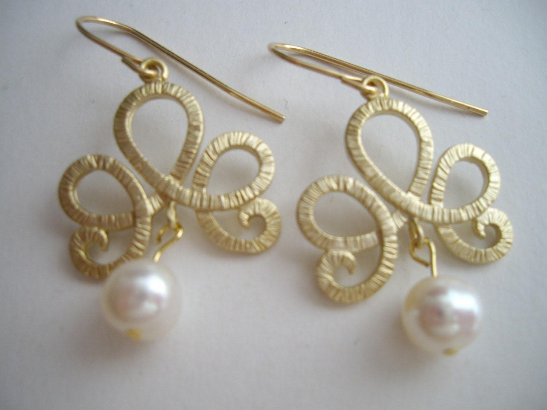 Arabic style Earrings in gold (EW57)