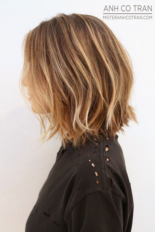 Le Fashion Blog Haircut Inspiration The Perfect Wavy Bob Via Mister Anh Co Tran Left Side Texturized Beach Waves Highlights Balayage Bright Beauty Red Lipstick Destroyed Distressed Black Tee Tshirt Summer Haircut 5 photo Le-Fashion-Blog-Haircut-Inspiration-The-Perfect-Wavy-Bob-Via-Mister-Anh-Co-Tran-Left-Side-5.jpg