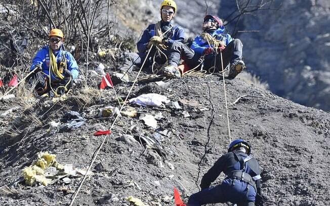 Corpos de vítimas de queda de avião começam a ser recuperados.(26/03/2015). Foto: DICOM / Ministère de l'interieur/Fotos Públicas
