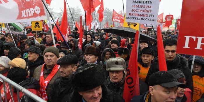 Russia: i comunisti propongono nazionalizzazioni per rilanciare l'economia