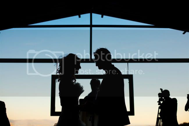 http://i892.photobucket.com/albums/ac125/lovemademedoit/PARRY_Ceremony_196.jpg?t=1319741485