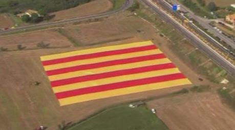 Thumbnail for La Catalogne convoque un référendum sur l'indépendance, refus de Madrid - Monde - MYTF1News