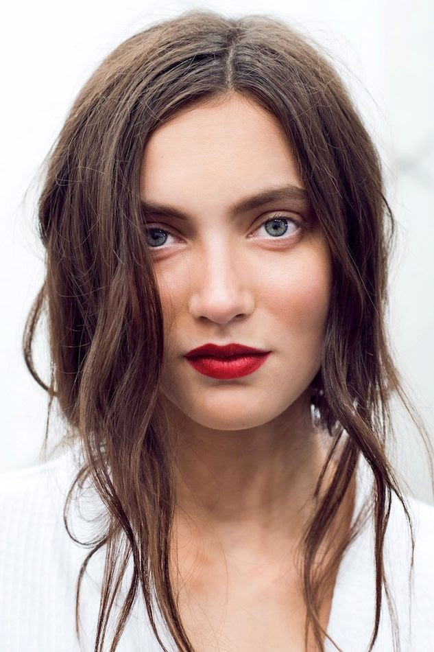 Le Fashion Blog -- Holiday Party Beauty Inspiration Romantic Waves Red Lipstick White Eyeliner Burberry SS 2015 Via Gary Pepper -- photo Le-Fashion-Blog-Holiday-Party-Beauty-Inspiration-Romantic-Waves-Red-Lipstick-White-Eyeliner-Burberry-SS-2015-Via-Gary-Pepper.jpg