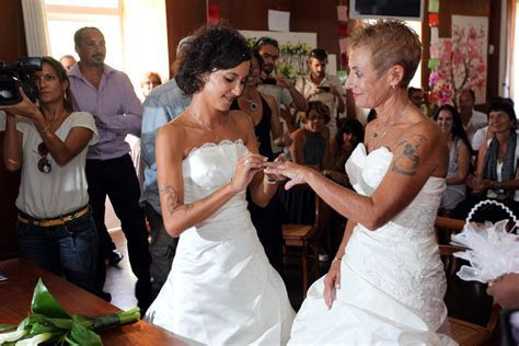Free Gay Marriage Ceremonies Being Offered By City Of West