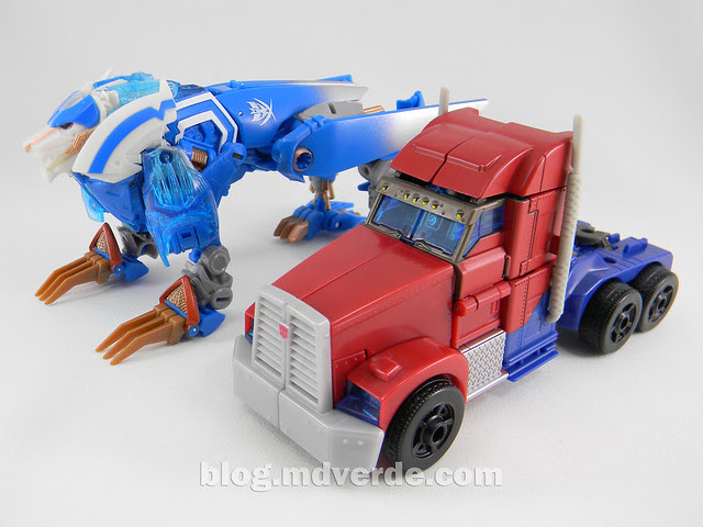 Transformers Thundertron Voyager - Prime RID - modo alterno vs Optimus Prime Voyager