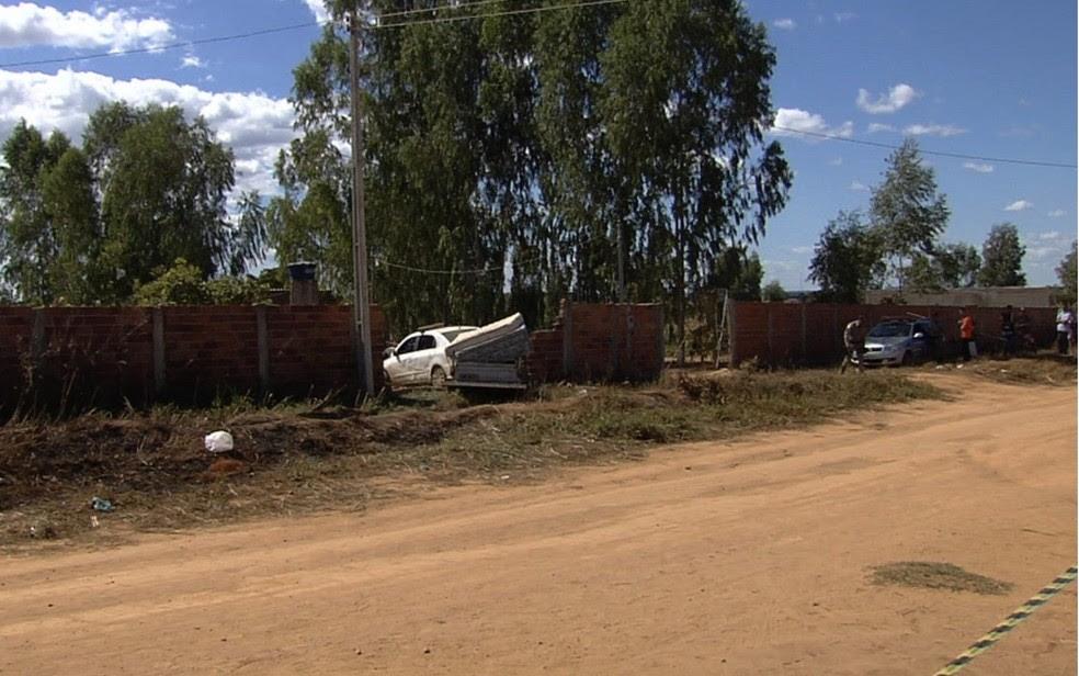 Polícia investiga motivação de homicídio de homem de 48 anos enquanto dirigia (Foto: Reprodução/TV Anhanguera)