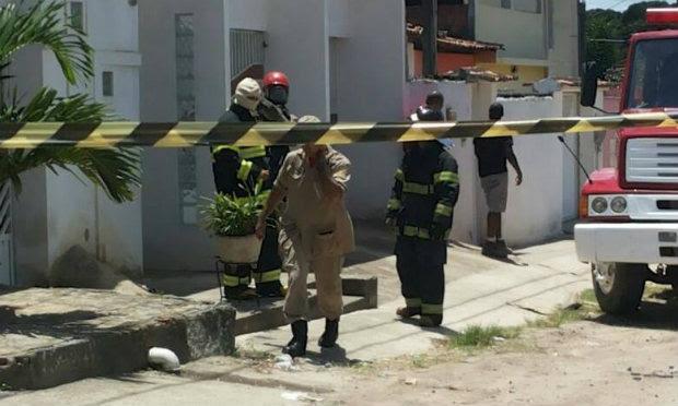 Perímetro da fábrica foi isolado pelos Bombeiros / Foto: Divulgação Bombeiros