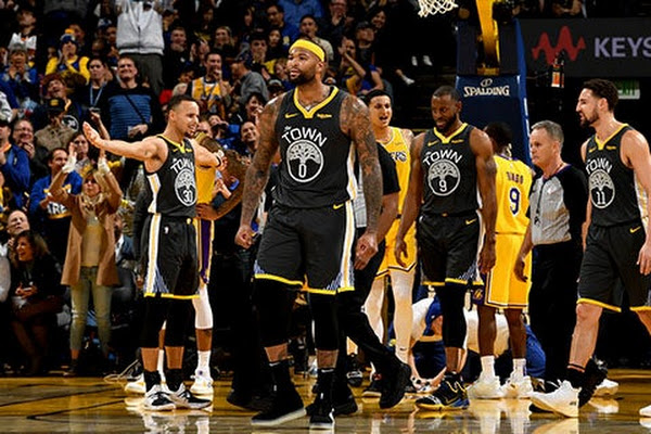 676a21acc Google News - LeBron James returns for Lakers against Clippers ...