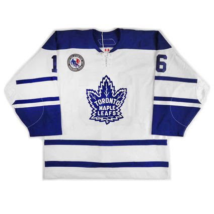 photo Toronto Maple Leafs 2005-06 F jersey.jpg