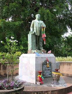 Statue of Ratsada Korsimbi Na Ranong on Rang Hill