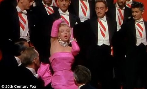 Classic: Marilyn cantou o hit do filme Gentleman Prefer Blondes 1953
