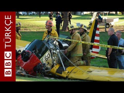 Ünlü Amerikalı sinema oyuncusu Harrison Ford Los Angeles'te ufak bir uçakla yaptığı kazada yaralandı.