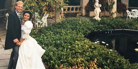 Julia Louis Dreyfus Shares 80s Wedding Photo   Julia Louis