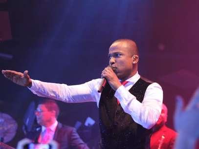 Líder do grupo Só Pra Contrariar, Alexandre Pires participará de quarteto que executará hino da Copa 2014 Foto: Thiago Duran / AgNews