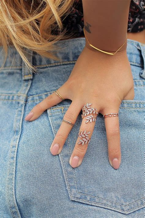 25  best ideas about Crystal ring on Pinterest   Cadeaux