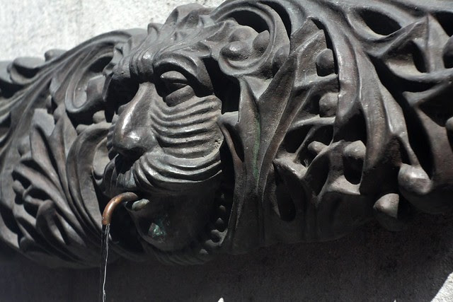 face, pioneer place