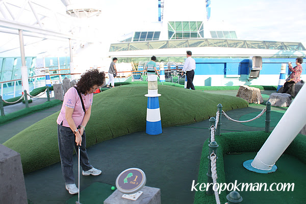 9-hole miniature golf course