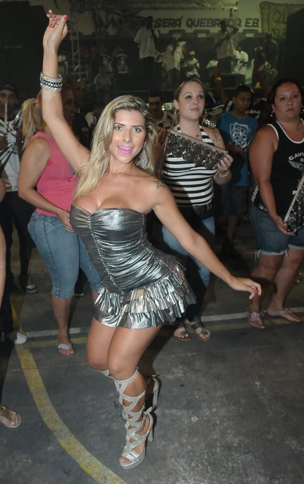 Ana Paula Minerato em ensaio da Gaviões da Fiel (Foto: Francisco Cepeda / Ag. News)