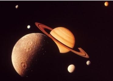 saturne-et-lunes.jpg