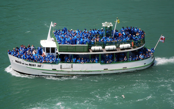 A packed Maid of the Mist boat