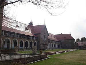 Senior School building of Lawrence College Gho...