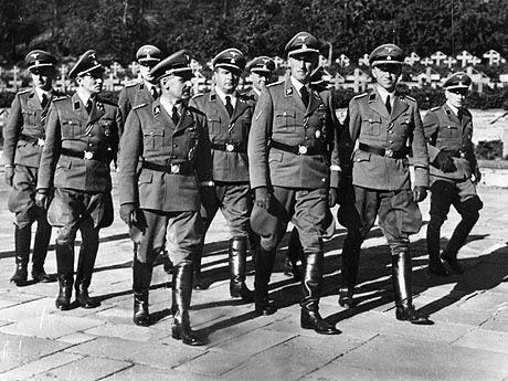 Gestapo- polisi rahasia Nazi Jerman