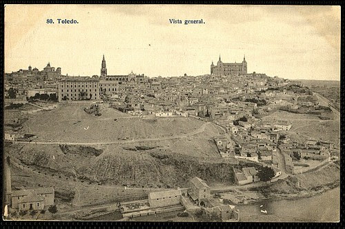 Catedral de Toledo aún con el Cimborrio antes de ser demolido en 1910.