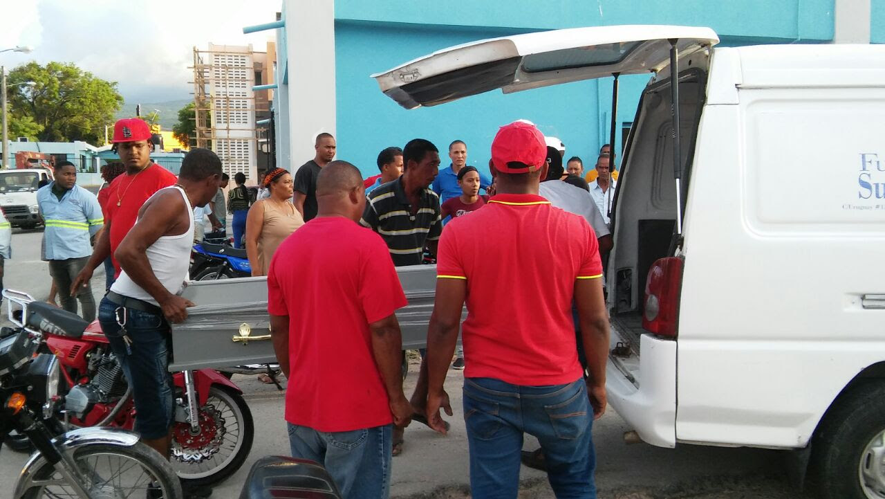 Resultado de la imagen para BARAHONA: Matan presunto asaltante;  hieren seguridad diputada Noris Medina