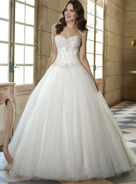 Perfect dress for a wedding   All women dresses