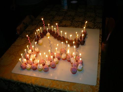 52 mini-cupcakes