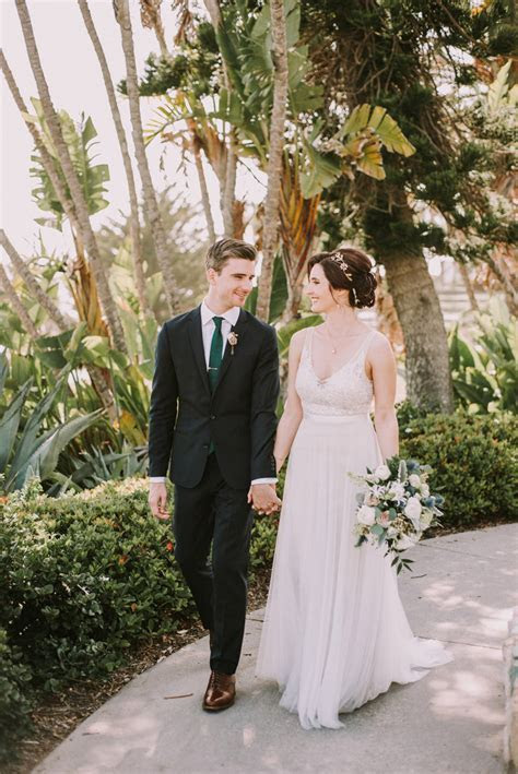 Laguna Beach Real Wedding: Lindsey and Mark   Exquisite