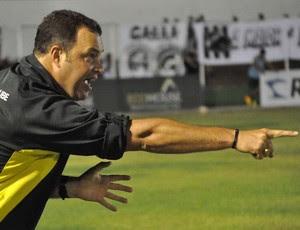 Roberto Fernandes, técnico do ABC (Foto: Frankie Marcone)