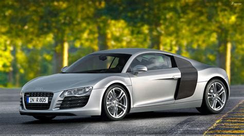 Side Pose Of 2006 Audi R8 In Silver Wallpaper