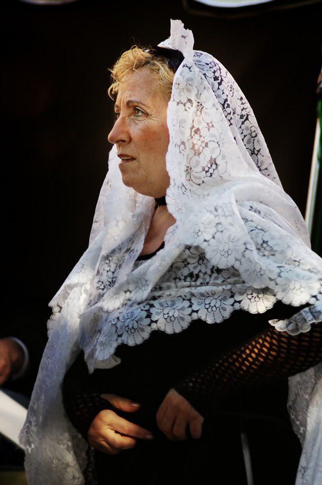 Catalan Traditional Dress and Pubillas [enlarge]