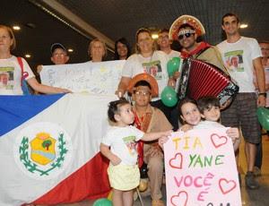 Desembarque Yane Marques no Recife (Foto: Aldo Carneiro/Pernambuco Press)