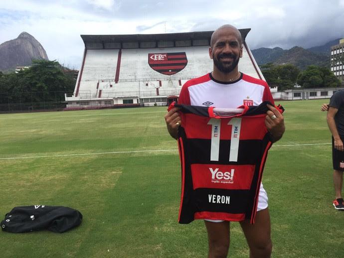 Veron Estudiantes treino Gávea Flamengo (Foto: Twitter/Flamengo)