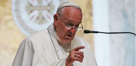 Muitos dos moradores de rua vivem perto da Cidade do Vaticano, onde está o papa / Foto: MARK WILSON POOL/AFP
