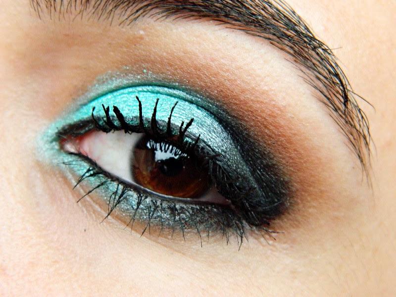 MAKE JULIANA LEITE maquiagem verde shimmer eye shadow green 035