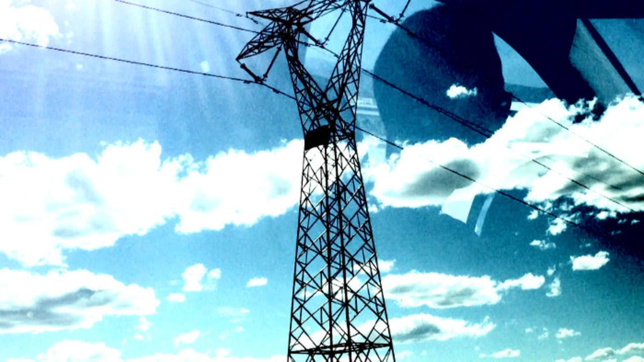 Las líneas de alta tensión como elemento constante en el paisaje del país.