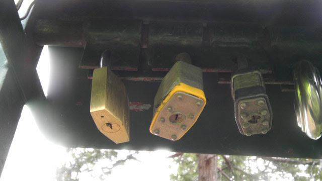 140215-lockedgate-web (42)
