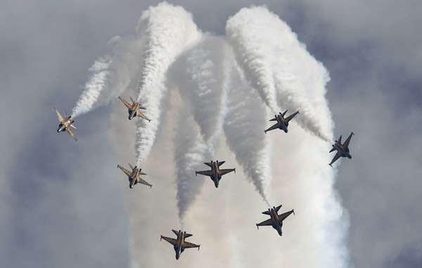 http://images.detik.com/content/2014/06/27/1036/jet.jpg