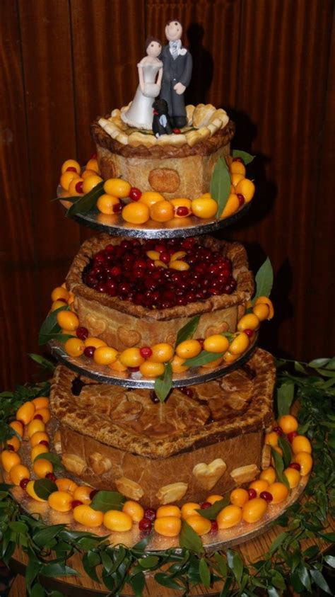 Unusual & Alternative Wedding Cake Ideas