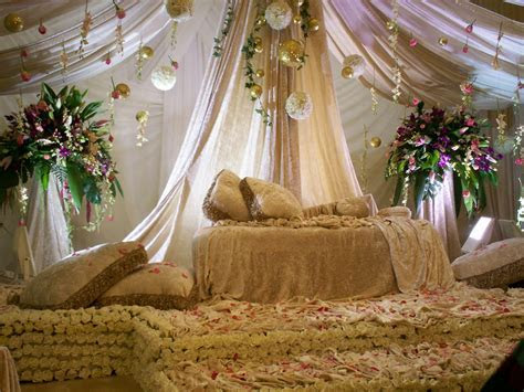Wedding Decorations: Arabic Wedding Stage Decoration