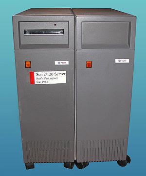 English: Sun Microsystems, 2/120 server and SM...