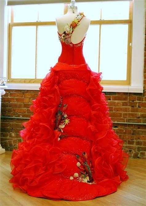 Lobster dress for Miss Maine, by Sondra Celli   GYPSY