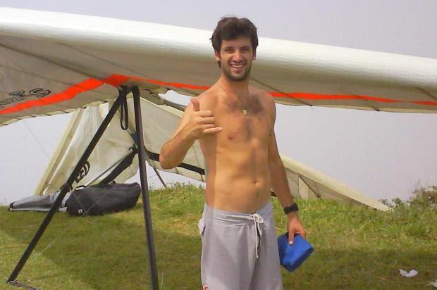 Piloto de asa-delta morre durante manobra no Morro da Pipa, na Grande Florianópolis Arquivo Pessoal/Arquivo Pessoal