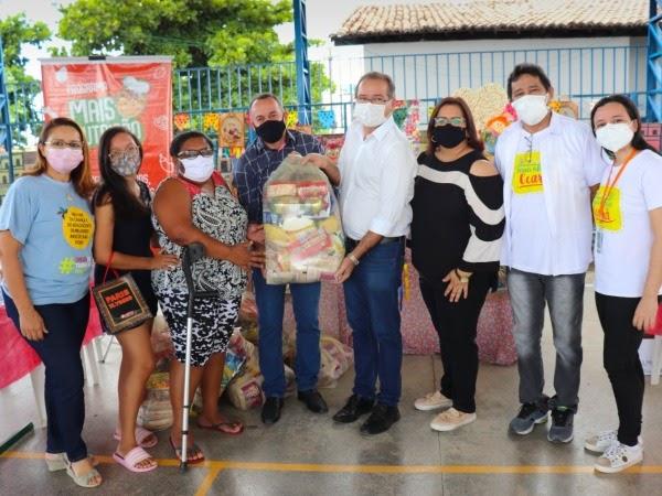 Cratenses beneficiados com mil cestas básicas do Programa Mais Nutrição