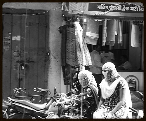 The Hindu Niqab of Latur by firoze shakir photographerno1