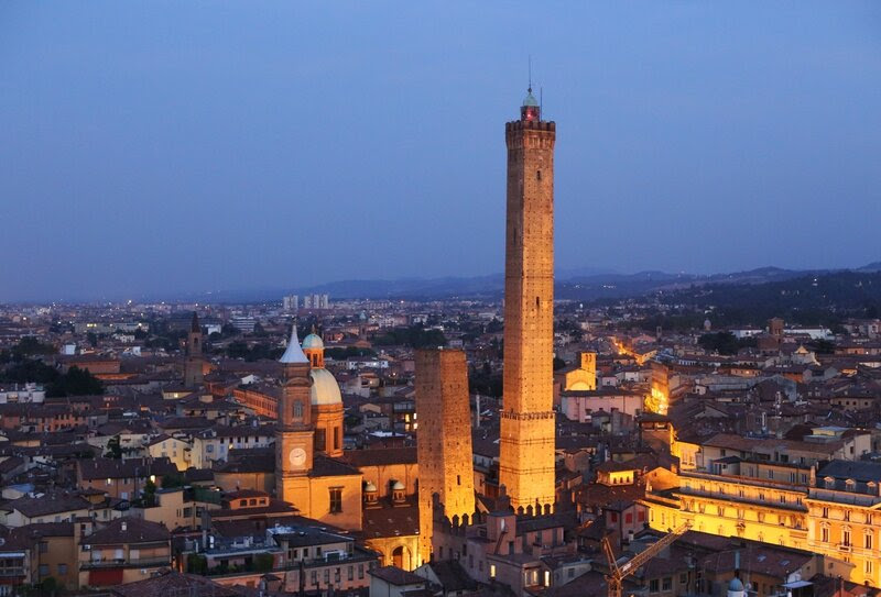 Bologna-By-Night_light